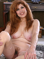 Sexy mature hairy pussy redhead babe