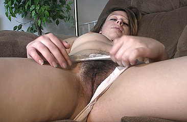 Sexy Randi Rayne pulls her panties aside