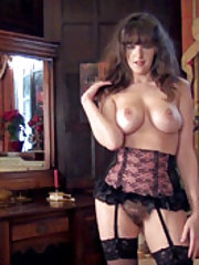 Kate Anne introduces us to her sexy body