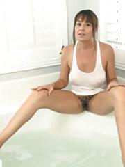 Elexis Monroe has sexy fun in her bathtub
