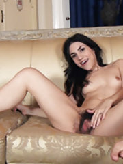 Luna O loves to pose and strip naked for us
