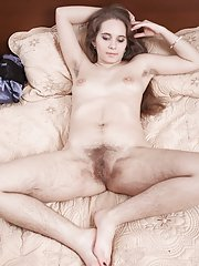 Sirena gets naked and masturbates in bed with toy