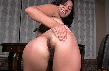 Gigi spanks her hairy ass