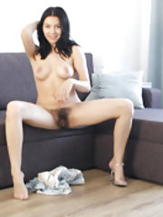 Bellavitana strips and masturbates on her couch