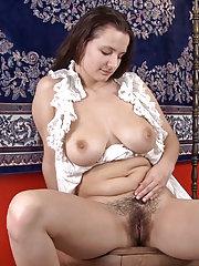 Khatherina loves banana in her hairy pussy