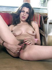 Johaquina strips off her pink outfit to masturbate