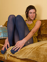 May takes off her blue leggings to show her hairy pie