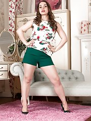 A grey sofa finds a naked Olga Cabaeva today