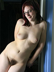 Hairy pussy amateur with nice curves