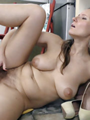 Solena Sol masturbates in her kitchen