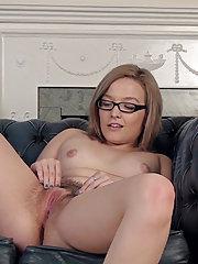 Kylie Harris strips naked and masturbates