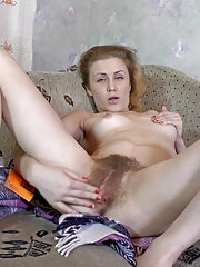 Hairy woman Fani finds reading very erotic