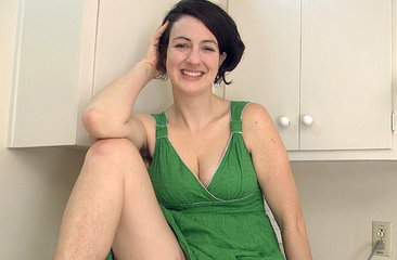 Hairy Sadie Lune opens up and talks dirty