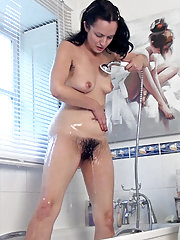 Wet and Soapy gives Tracey Anne sexy thoughts